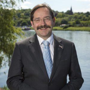 Commissaris van de Koning Theo Bovens